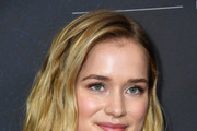 Elizabeth Lail Photos Photo