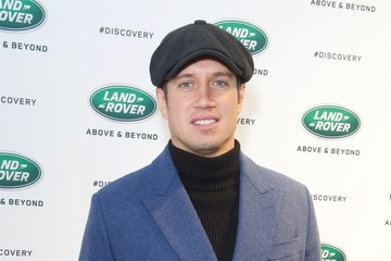 Vernon Kay Land Rover Unveil The New Discovery At Show-Stopping Global Reveal Event