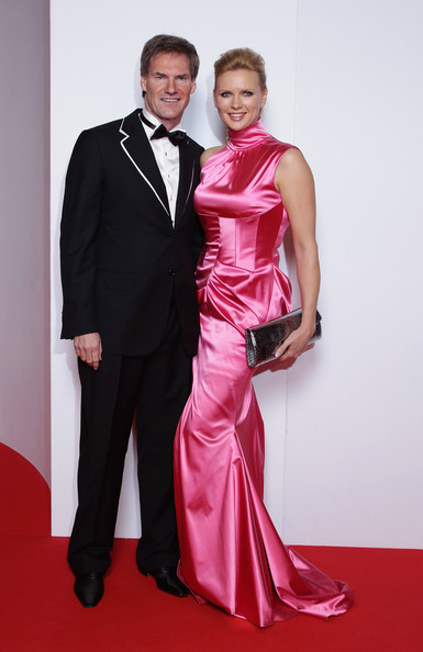 veronica ferres carsten maschmeyer photos bambi 2010 arrivals zimbio. Black Bedroom Furniture Sets. Home Design Ideas