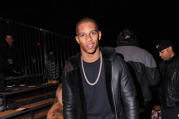 Victor Cruz Front Row at the En 1 Noir Show
