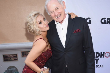 """Victor Garber """"Groundhog Day"""" Broadway Opening Night - Arrivals & Curtain Call"""