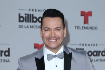 Victor Manuelle Billboard Latin Music Awards - Arrivals