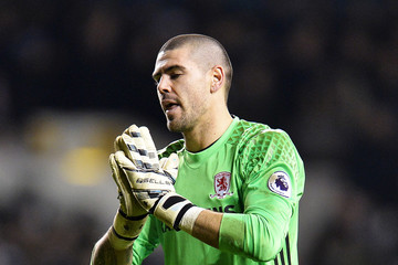 Victor Valdes Tottenham Hotspur v Middlesbrough - Premier League