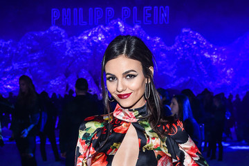 Victoria Justice Maybelline New York Hosts Kate Upton, Maya Jama and Victoria Justice Front Row at the Phillipp Plein FW18 Show