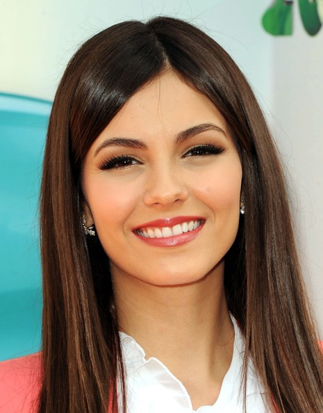 Victoria Justice - Nickelodeon's 25th Annual Kids' Choice Awards - Arrivals