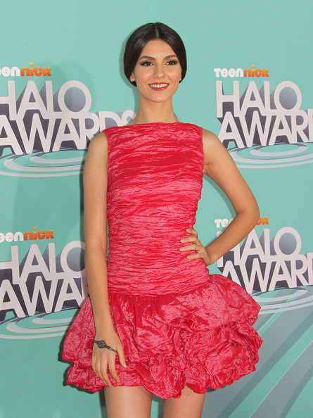 Victoria Justice Actress Victoria Justice attends the Nickeloden TeenNick HALO Awards at the Hollywood Palladium on October 26, 2011 in Hollywood, California.