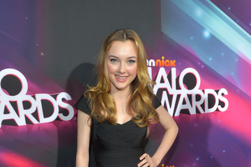 Victory Van Tuyl 2012 Halo Awards - Red Carpet