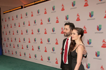 Visitante Heineken, The Official Beer Sponsor Of The Latin GRAMMY Awards, Celebrates The Biggest Night In Latin Music At The 15th Annual Latin GRAMMY Awards - Green Carpet