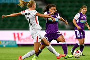 Maruschka Waldus of the Wanderers contests for the ball against Raquel Rodriguez of the Glory during the round 13 W-League match between the Perth Glory and the Western Sydney Wanderers at nib Stadium on January 28, 2018 in Perth, Australia.