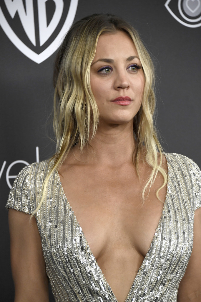 Kaley cuoco jerk off challenge - 1 part 3