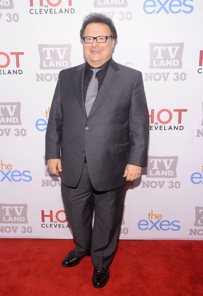 The 61-year old son of father William Knight and mother Grace Monti, 175 cm tall Wayne Knight in 2017 photo