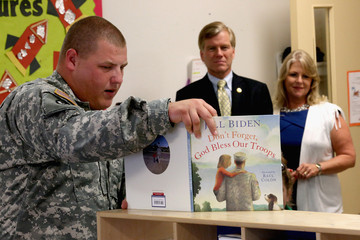 Wesley Watkins Virginia Governor McDonnell Meets With Military Families