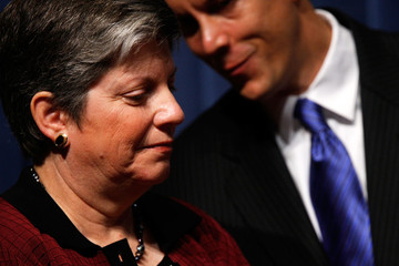 Janet Napolitano Arne Duncan White House Officials Announce Guidance For Schools For Upcoming Flu Season
