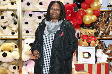 Whoopi Goldberg FAO Schwarz Grand Opening Event