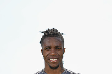 Wilfried Zaha Wilfried Zaha Is Awarded With The EA SPORTS Player Of The Month For April