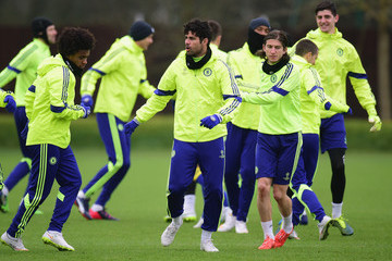 Willian Filipe Luis Chelsea FC Training Session