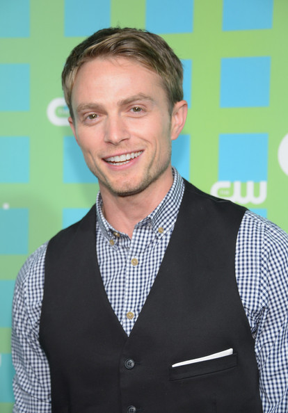 http://www1.pictures.zimbio.com/gi/Wilson+Bethel+CW+Network+New+York+2012+Upfront+AiZHQH0bZmIl.jpg