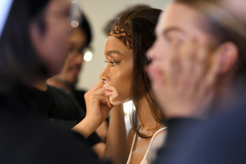 Winnie Harlow Cong Tri - Backstage - February 2019 - New York Fashion Week: The Shows