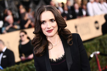 Winona Ryder 24th Annual Screen Actors Guild Awards - Backstage