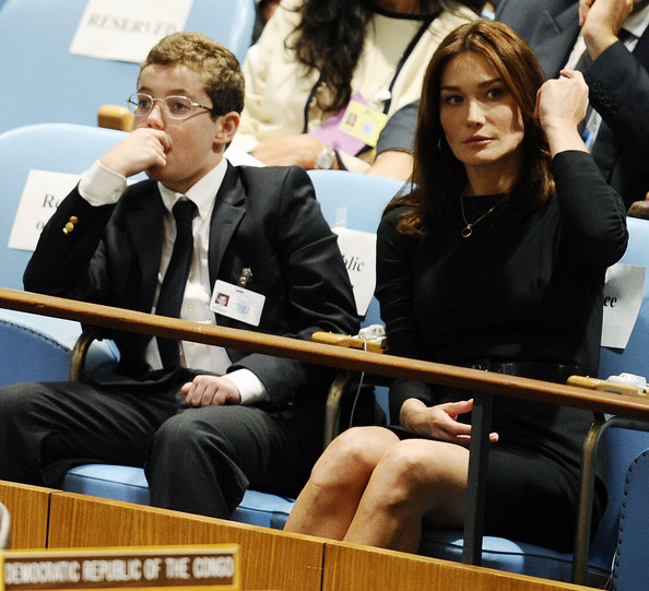 http://www1.pictures.zimbio.com/gi/World+Leaders+Attend+First+Day+UN+General+j6eiYCNqTYSl.jpg