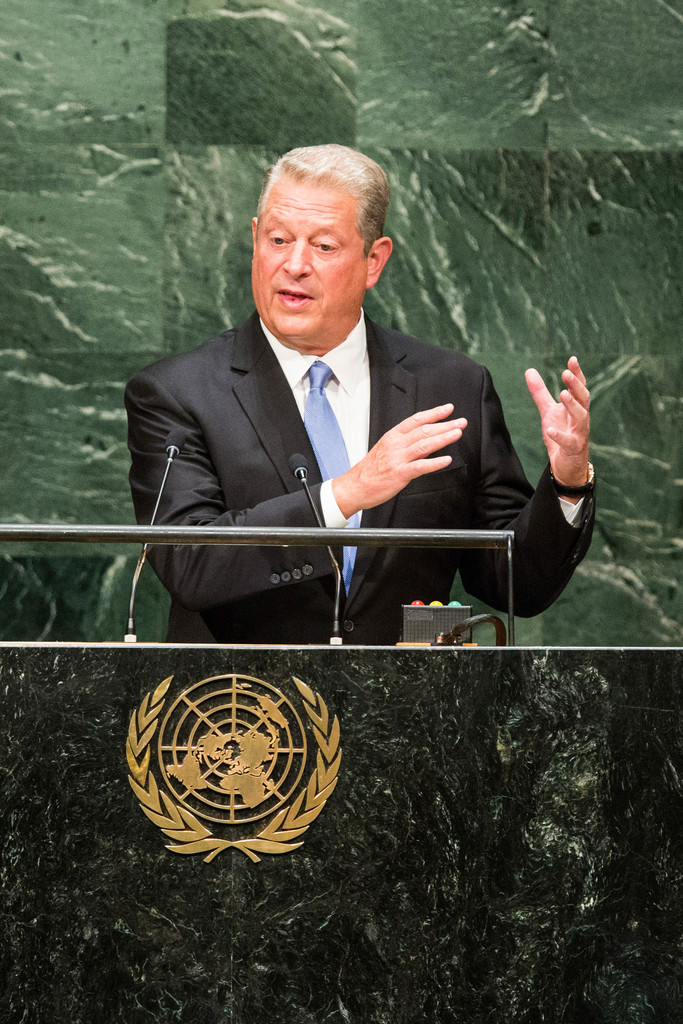 al gore leadership style Ronald reagan - presidential style and leadership reagan's first term began dramatically he later recalled that, as he stood to take the oath of office on 20.