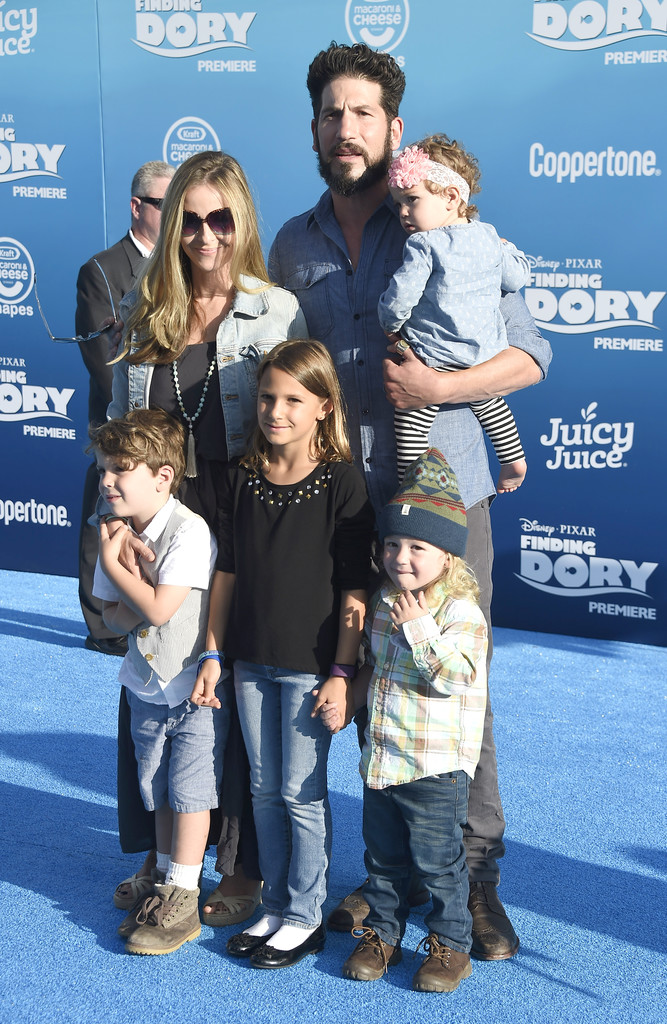 Jon Bernthal Photos Photos The World Premiere Of Disney