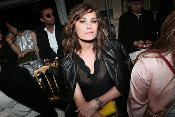 Yasmin Le Bon Front Row And Atmosphere - Dior Cruise Collection 2017