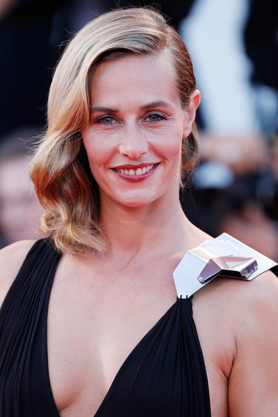 cecile de france in 39 the young pope 39 premiere 73rd venice film festival zimbio. Black Bedroom Furniture Sets. Home Design Ideas