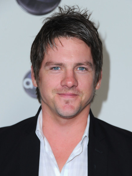 Zachary Knighton Net Worth