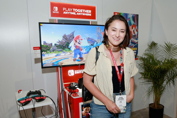 Zelda Williams Nintendo Hosts Celebrities At 2018 E3 Gaming Convention