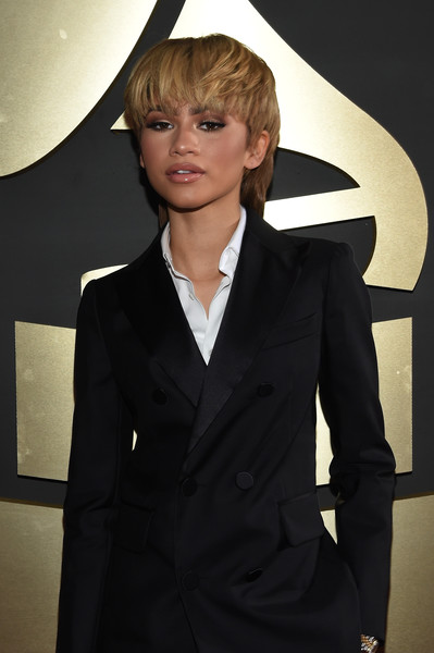 POPSTAR! » What Kind Of Guy Does Zendaya Want To Bring To Prom?