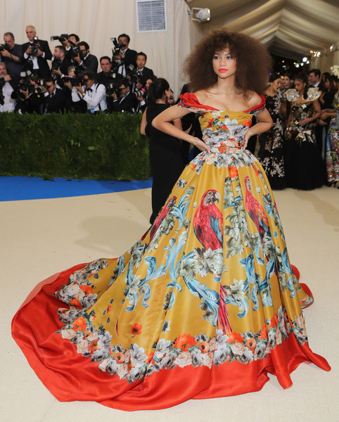 """Rei Kawakubo/Comme des Garcons: Art of the In-Between"" Costume Institute Gala - Arrivals [rei kawakubo/comme des garcons: art of the in-between,rei kawakubo/comme des garcons: art of the in-between,dress,gown,flooring,fashion model,carpet,fashion,girl,haute couture,red carpet,fashion design,costume institute gala - arrivals,zendaya,new york city,metropolitan museum of art,costume institute gala,rei kawakubo,2017 met gala,metropolitan museum of art,rei kawakubo/comme des gar\u00e7ons art of the in-between,comme des gar\u00e7ons,fashion,art museum,red carpet]"