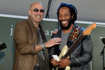 Ziggy Marley John Varvatos 12th Annual Stuart House Benefit - Inside
