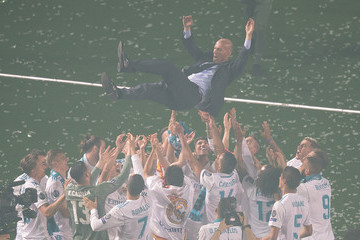 Zinedine Zidane Real Madrid Celebrate After Victory In The Champions League Final Against Liverpool
