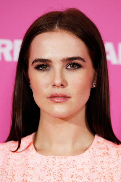 Zoey Deutch kim