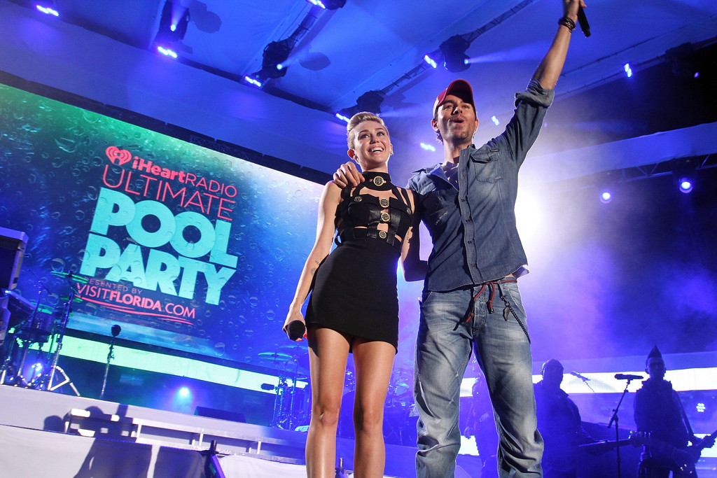 Miley cyrus photos photos iheartradio ultimate pool for Ultimate pool show