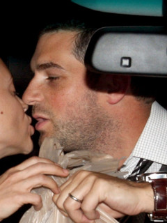 David Bugliari is married to Alyssa Milano - David Bugliari Wife ...