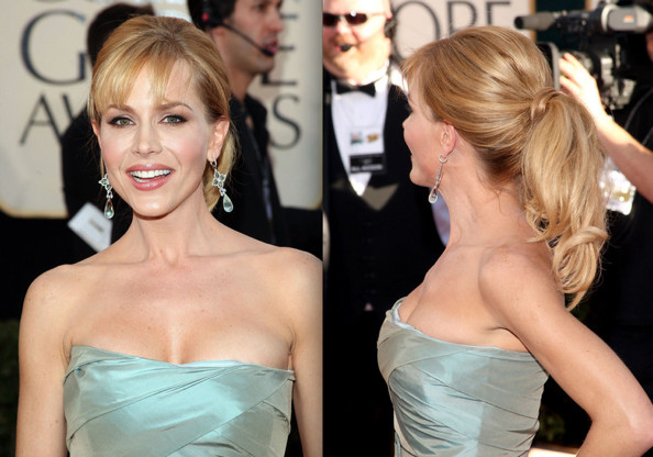 At the 2009 Golden Globes, a lot of stars were wearing their hair up in