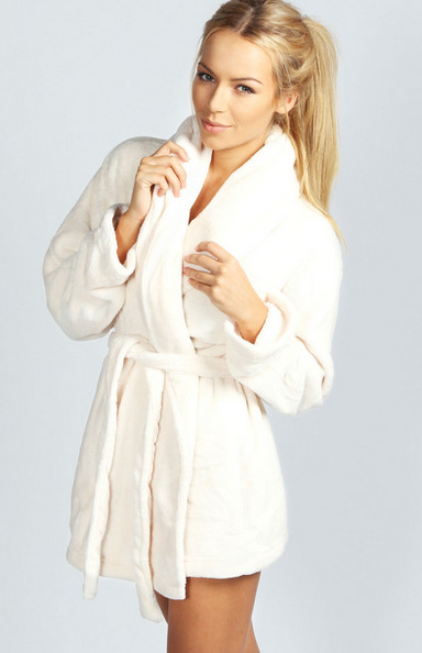 10 Plush Bathrobes To See You Through Winter
