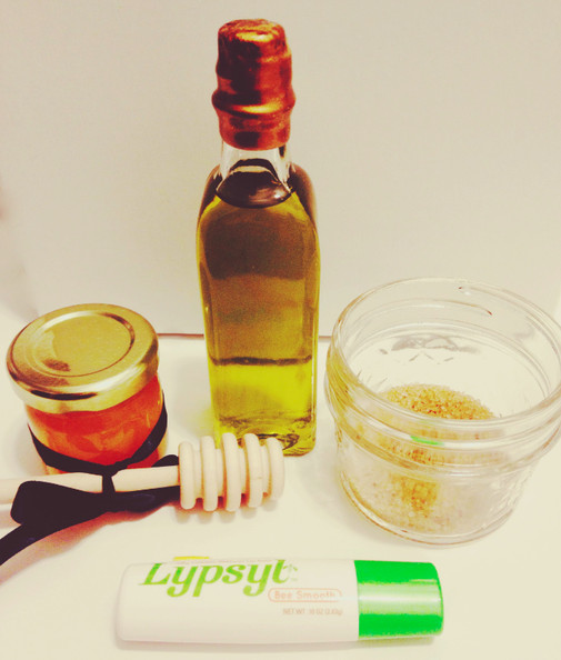 Beauty DIY: Exfoliating and Soothing Lip Scrub