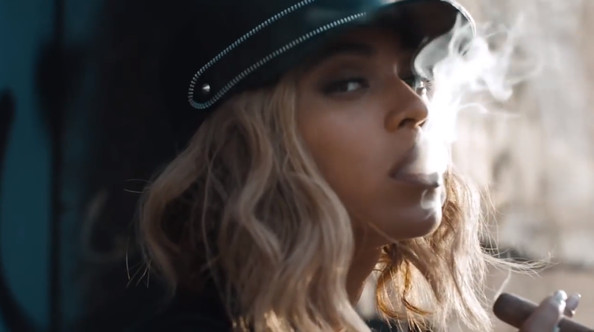 "Get With Beyonce&squot;s ""Yonce"" Look"