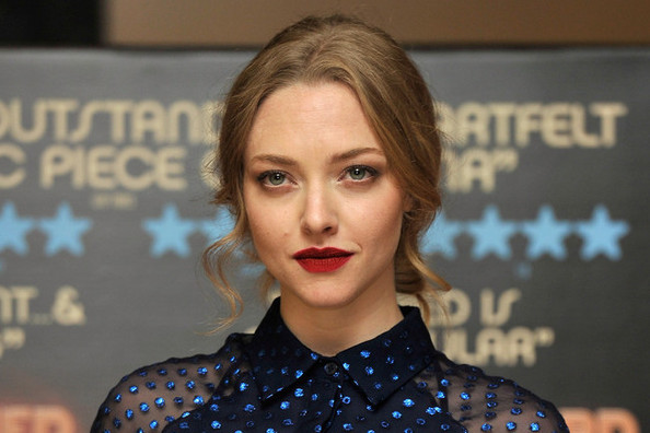 Amanda Seyfried Masters the Art of Going Retro on the Red Carpet