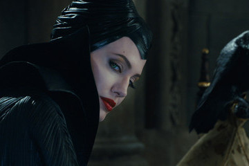 Zimbio Flash Film Review: 'Maleficent'