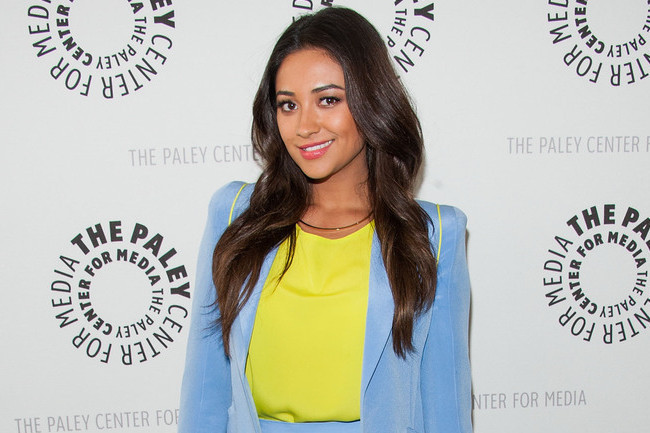 Shay Mitchell's Pretty Little Outfit Idea