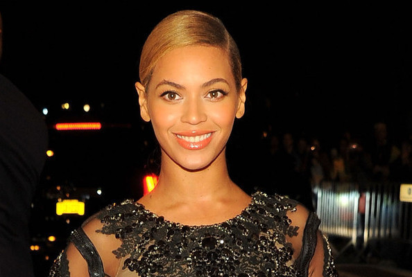 Beyonce Returns to the Stage Five Months After Giving Birth - Celeb Music