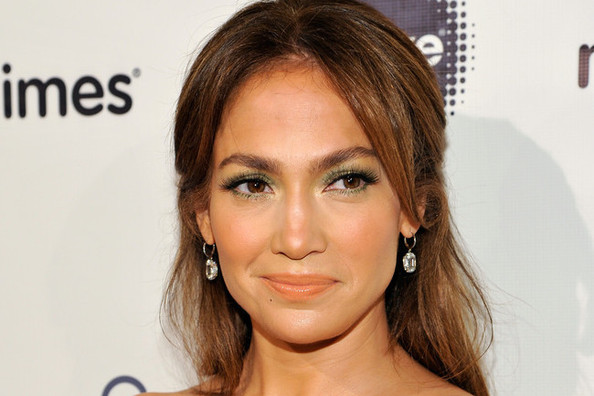 J-Lo Knows Something You Don't About Dressing Up During Daylight