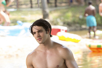 'Vampire Diaries' New Photos: 'Welcome to Paradise'