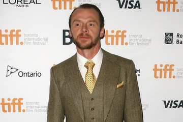 Nerd Godfather Simon Pegg Assures Fans He's Still One of Them