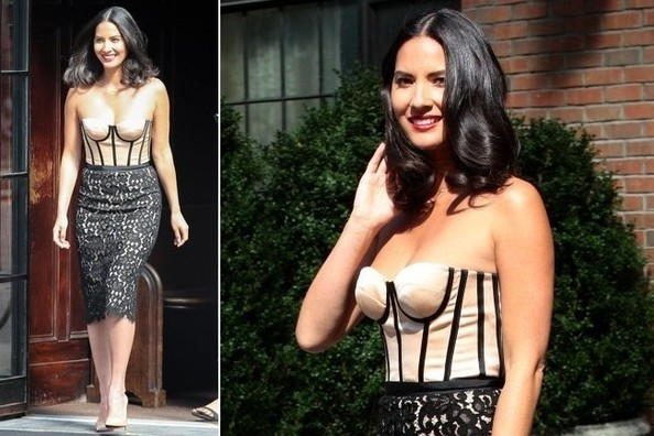 Olivia Munn's Romantic Lace Dress
