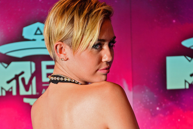 Who Wore the Most Memorable Dress at the MTV EMAs?